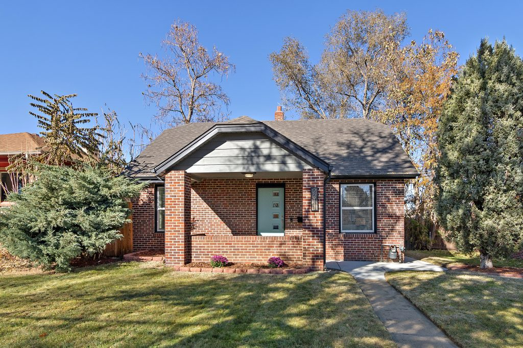 Under Contract! Beautifully remodeled Sunnyside bungalow
