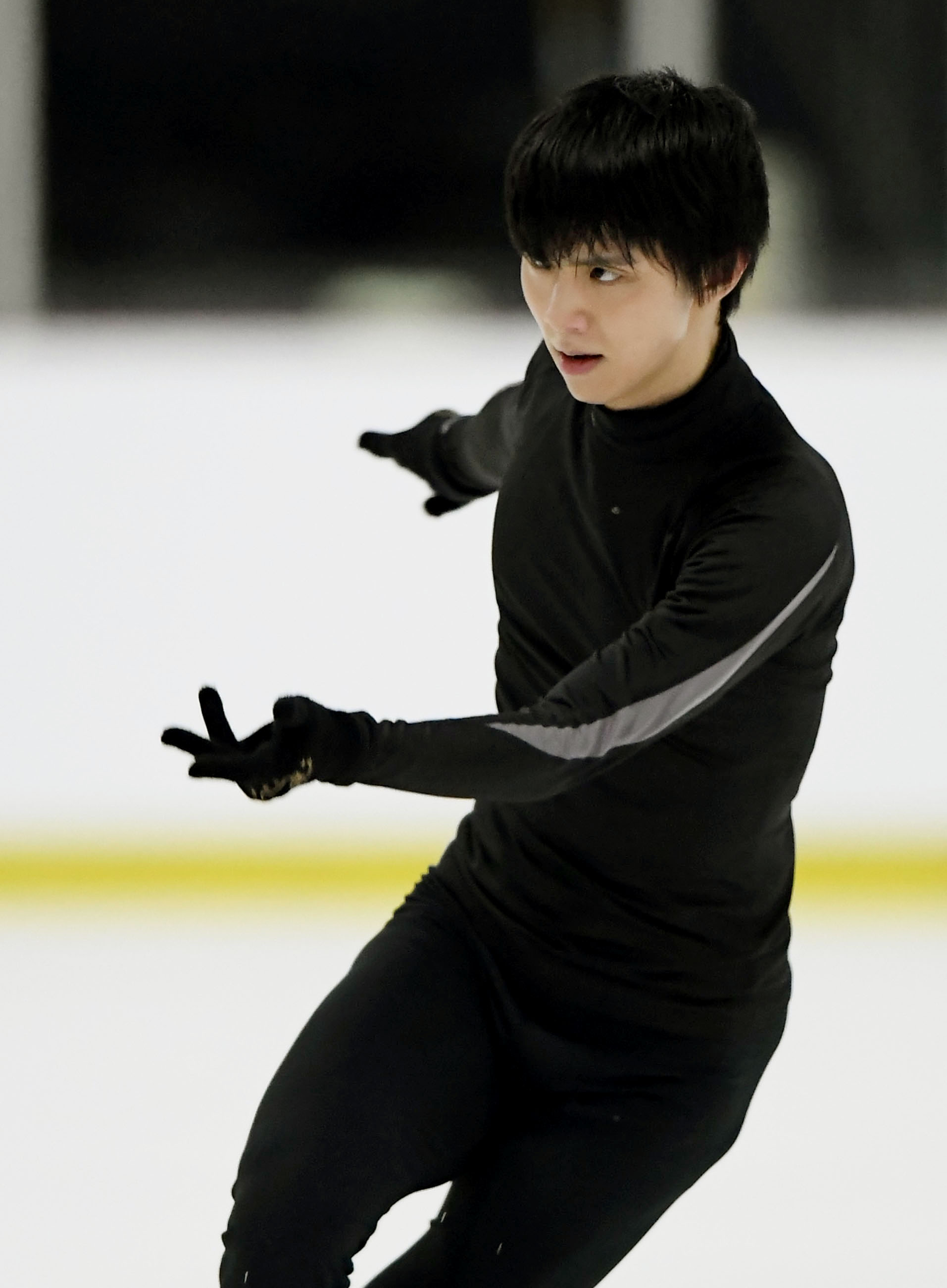 Figure skating: Hanyu in Autumn Classic official practice