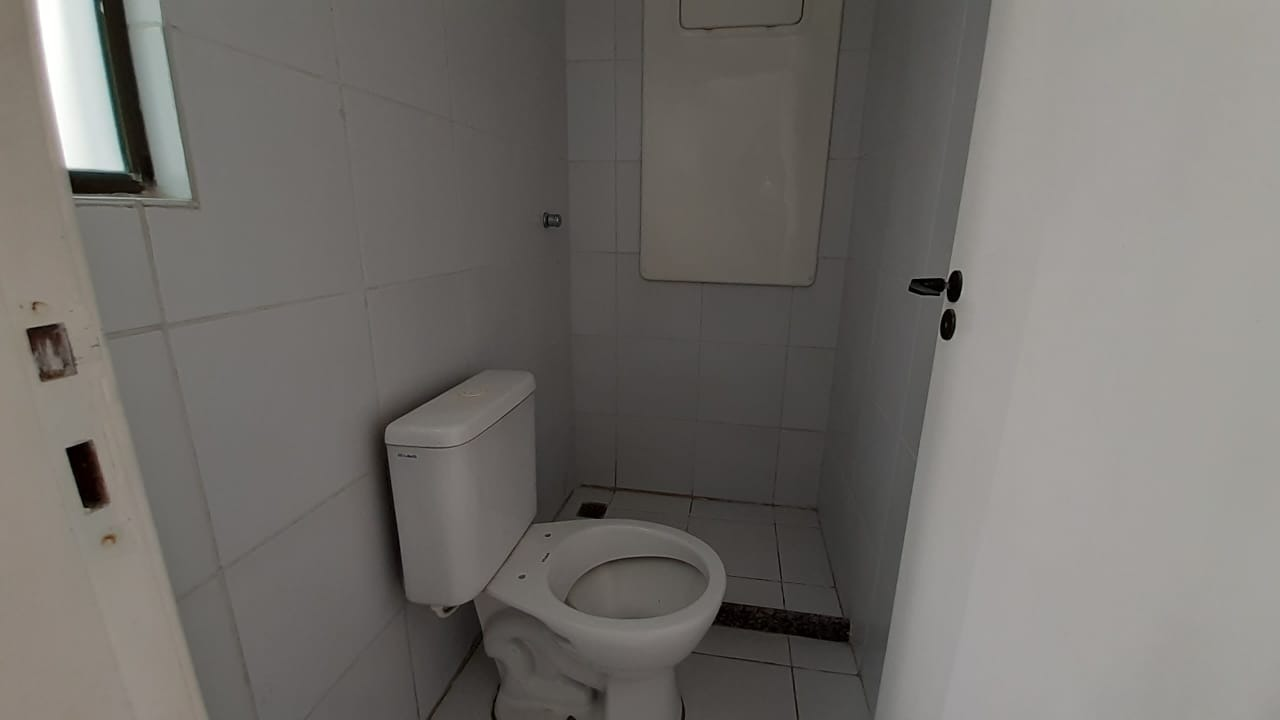 Apartamento à venda no Boa Viagem: wc de serviço