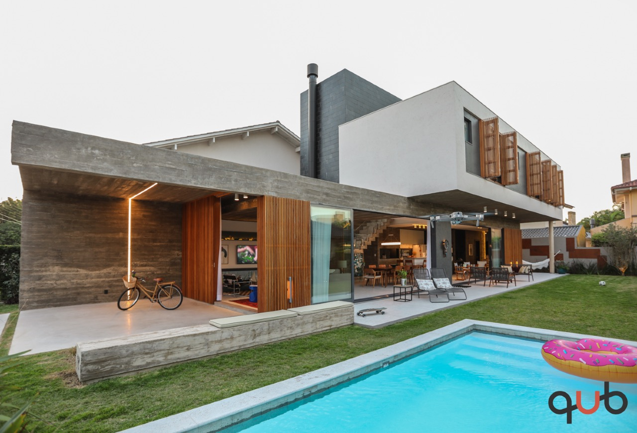 Sobrado à venda, 4 quartos, 4 suítes, Condomínio Atlântida Lagos Park - Xangri-Lá/RS
