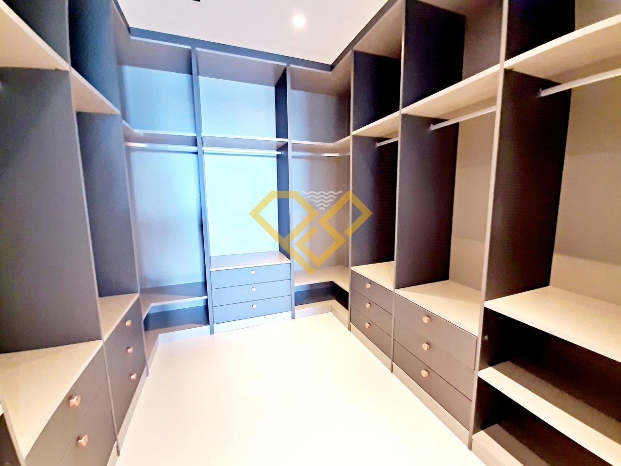 Apartamento à venda no Aparecida: Closet