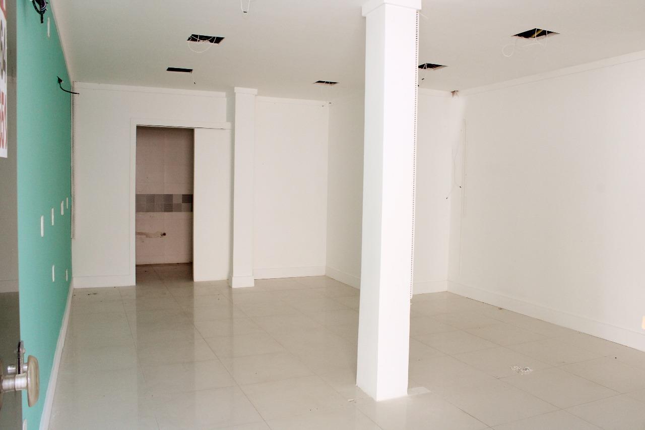 Ponto Comercial para aluguel no Atalaia: