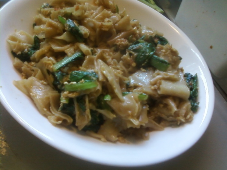 11fa53d3e37f6fe78408b7f8c14c2e00 Recipe Thai Stir-Fried Wide Rice Noodles, 'Pad Si-iew' :: ImportFood