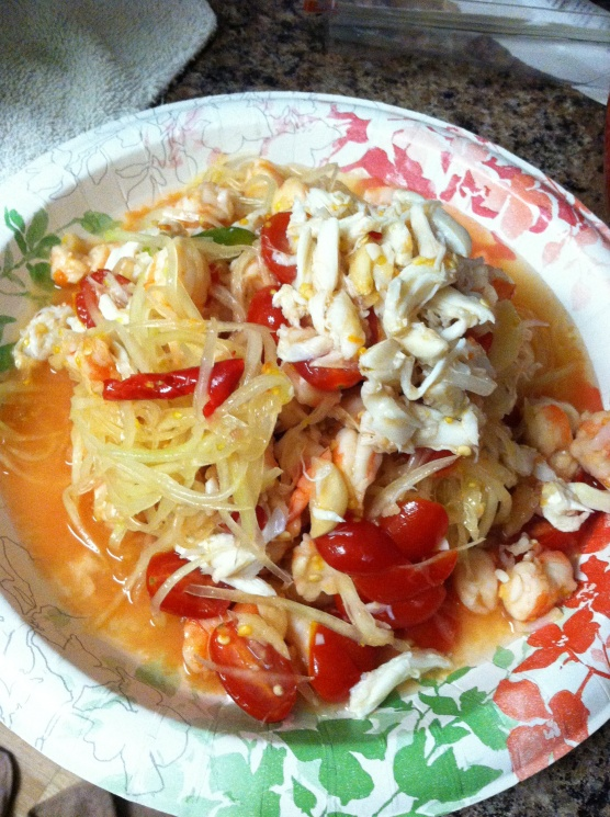 3152e62c998cc229ef34bc7b00a851a6 Recipe Thai Green Papaya Salad, 'Som Tum' :: ImportFood