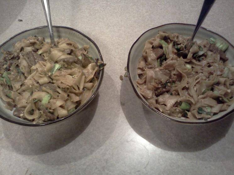 5a416b23b20e3f38620b26851ce84e7a Recipe Thai Stir-Fried Wide Rice Noodles, 'Pad Si-iew' :: ImportFood