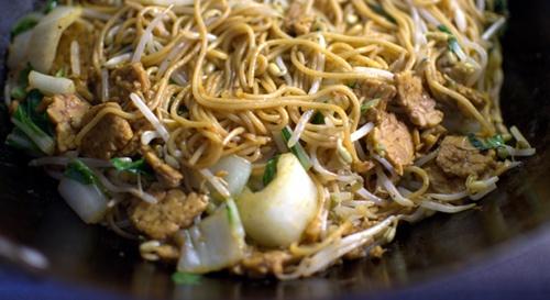 6194ddbe5e41f72c312afd84fce82a61 Recipe Korat-Style Stir-Fried Noodles, 'Pad Korat' :: ImportFood