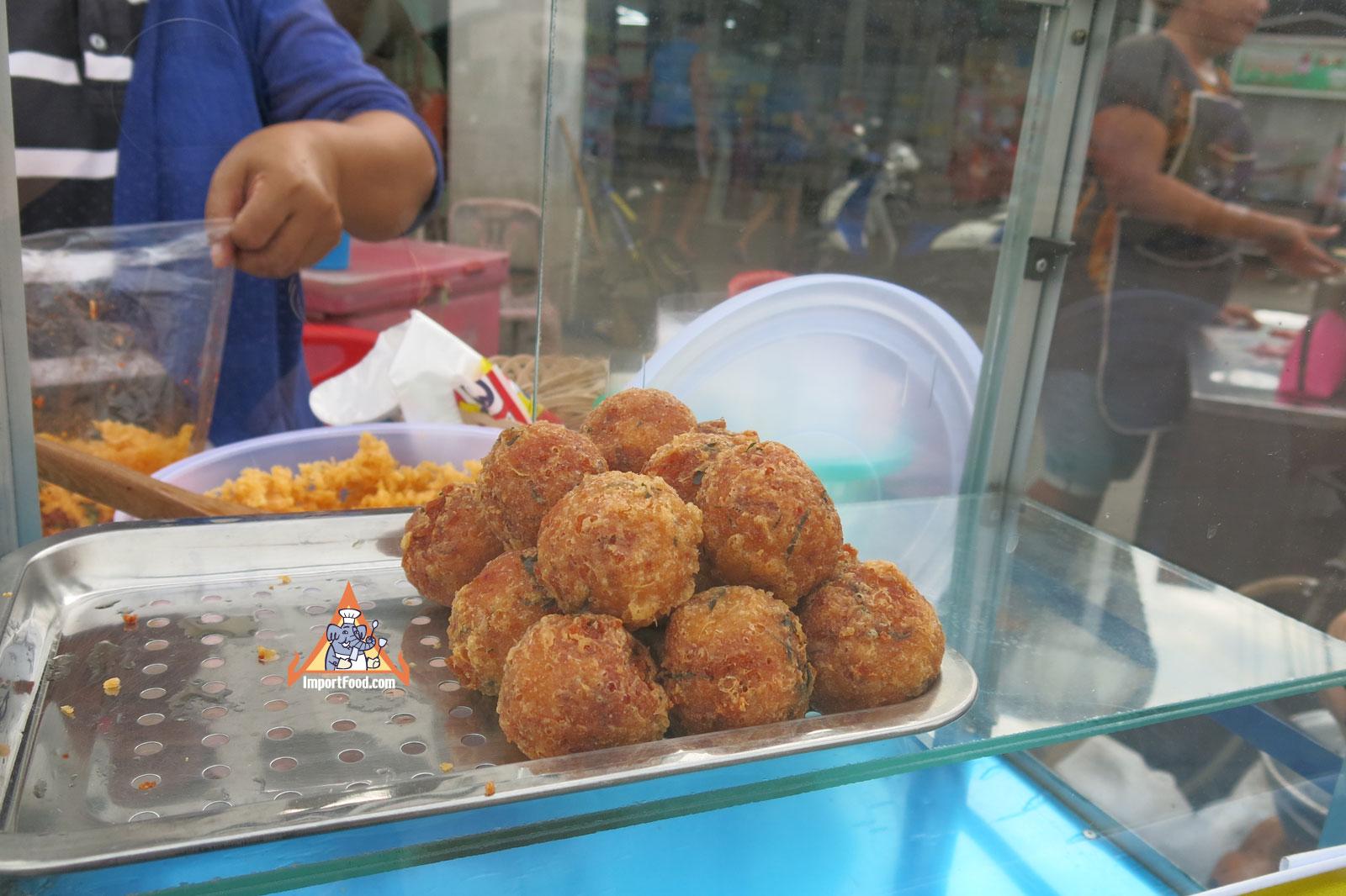 628fe3a73d44496d84453b2e043ba7f5 Recipe Crispy Rice Larb Pork, 'Yum Khao Tod Naem Moo Sod' :: ImportFood