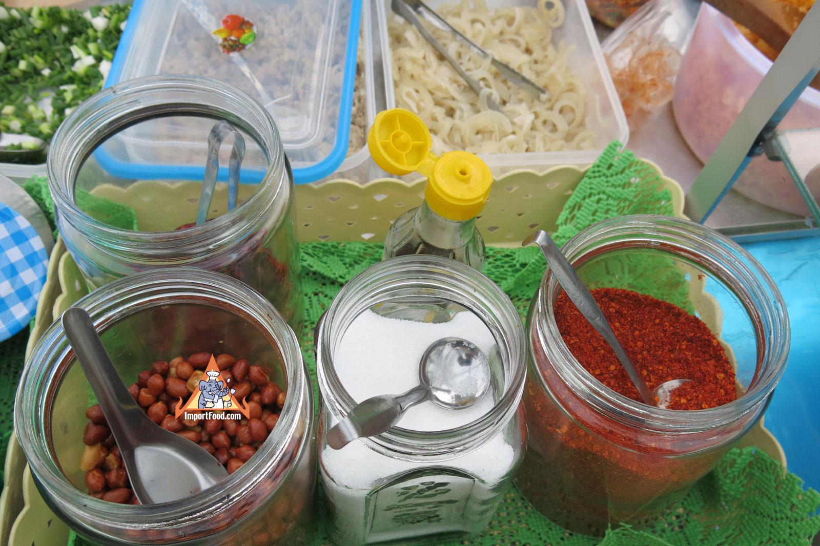 846380a8533314d5e95870c987d5e700 Recipe Crispy Rice Larb Pork, 'Yum Khao Tod Naem Moo Sod' :: ImportFood