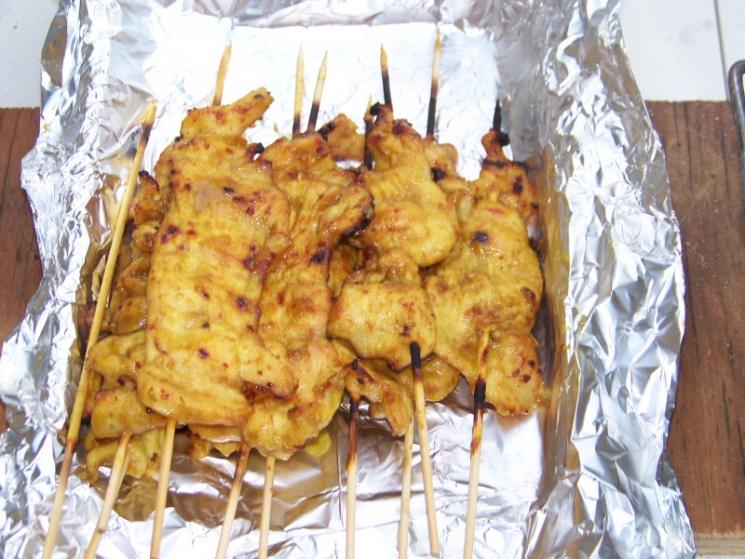 8468a83cbb1961efe49430396b7a3fb9 Recipe Chicken Satay, 'Satay Gai' :: ImportFood