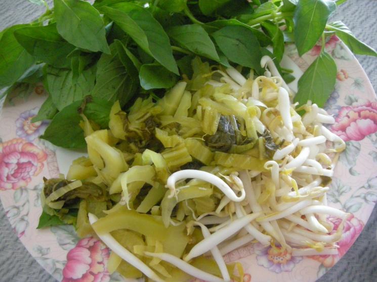 84ca113b066140f86835af6dff0c7626 Recipe Noodles with Fish Curry, 'Khanom Jin' :: ImportFood