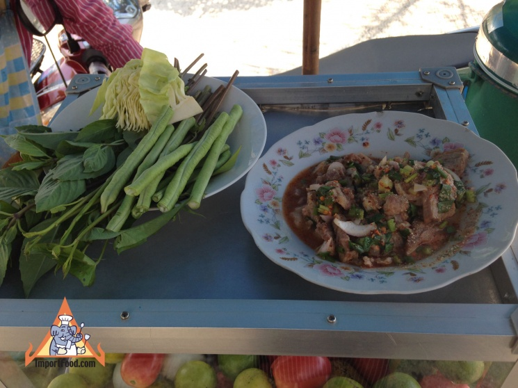 87672bd983fdfe6ee106f45f4f79445e Recipe Thai Spicy Ground Chicken and Toasted Rice, 'Larb Gai' :: ImportFood