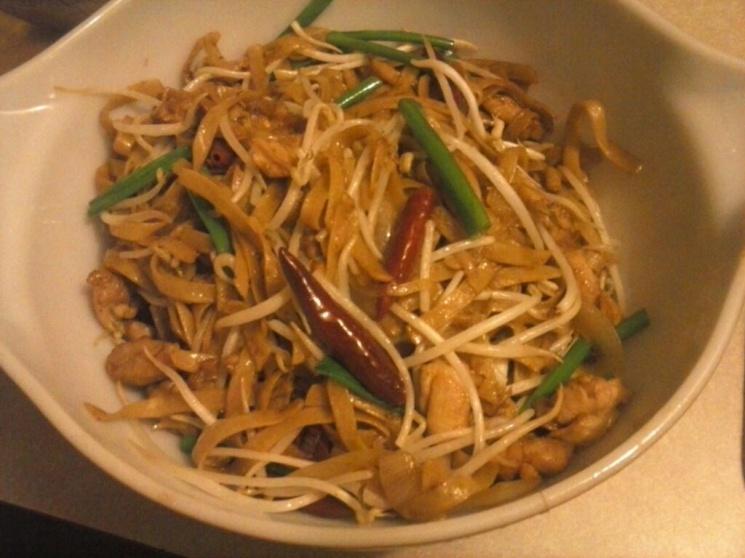 8bbb0b438bca757a5d30b0c93f46fb33 Recipe Drunken Noodles, 'Pad Kee Mao' :: ImportFood
