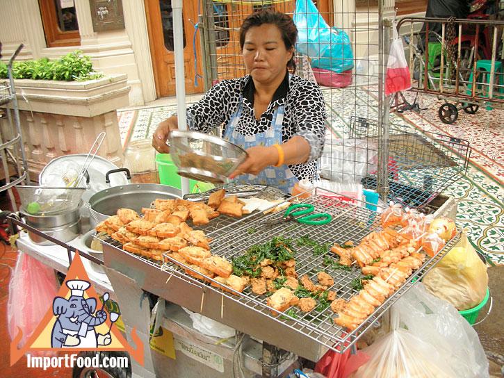 94d3be7a0ca23c20ad2d04ffff462a46 Recipe Thai-Style Toast, 'Khanom Bung Na Goong Roy Nga' :: ImportFood