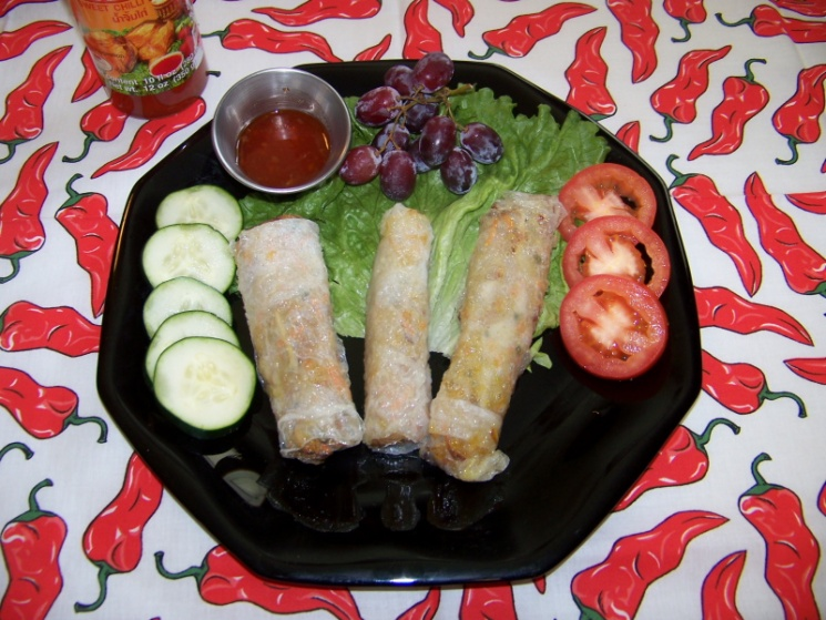 ad7907d93d34ecedbc3fbadba5c9be55 Recipe Thai Fried Spring Rolls, 'Poh Pia Tod' :: ImportFood