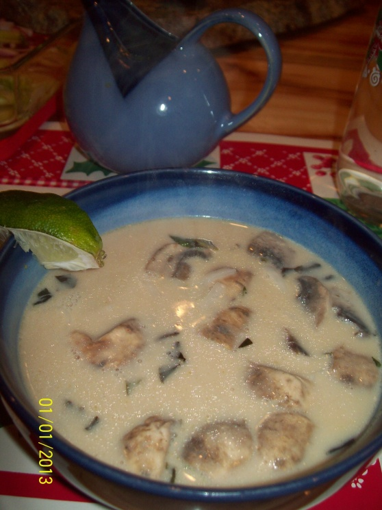 be4d80cb25888bb2e61bdf96ff4e8465 Recipe Thai Chicken Soup with Coconut Milk, 'Tom Kha Gai' :: ImportFood