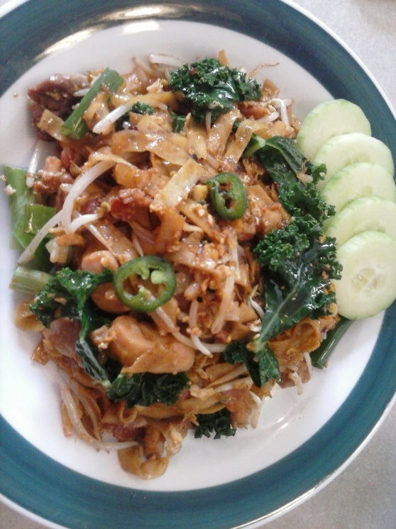 d185f2245f931bbbed334291bf3623ad Recipe Thai Stir-Fried Wide Rice Noodles, 'Pad Si-iew' :: ImportFood