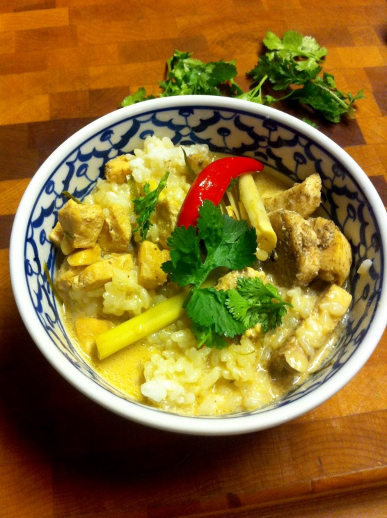 df4368fc23cb9236f1e4bfe5c668d5fb Recipe Thai Chicken Soup with Coconut Milk, 'Tom Kha Gai' :: ImportFood