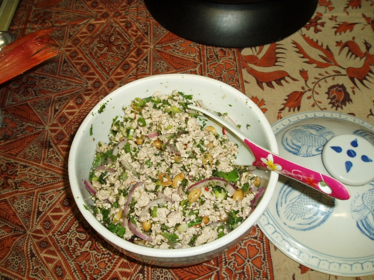 e586d5535ecfca026518c7200233ec95 Recipe Thai Spicy Ground Chicken and Toasted Rice, 'Larb Gai' :: ImportFood
