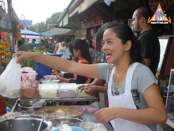 f5d1dd62e9664c0b9a86e96d8c2e6c8a Recipe Thai Rice Balls in Warm Coconut Milk, 'Bua Loi' :: ImportFood