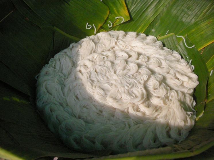 fa5741e3180b65e75e0cf3969ebd11d9 Recipe Noodles with Fish Curry, 'Khanom Jin' :: ImportFood