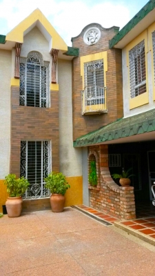 Casa Estilo Chalet – Sector La Macandona