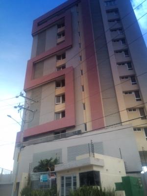 Apartamento en Edificio Saraya