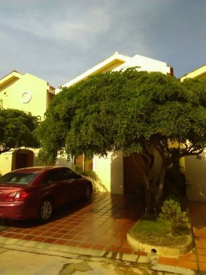 Townhouse en Venta, Sector Milagro Norte