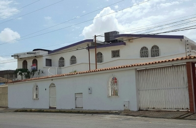 Casa Comercial en Venta. Sector Fuerzas Armadas