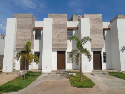 Townhouse en Venta, San Diego Villas