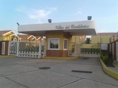HERMOSO TOWNHOUSE EN VILLAS DEL CANTÁBRICO