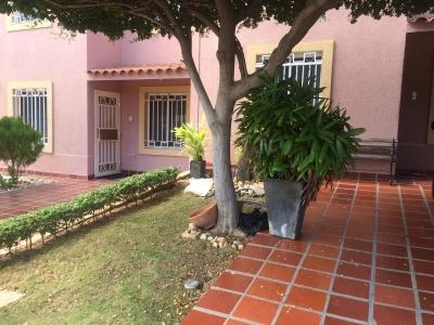 Hermosa casa en villa punta araya