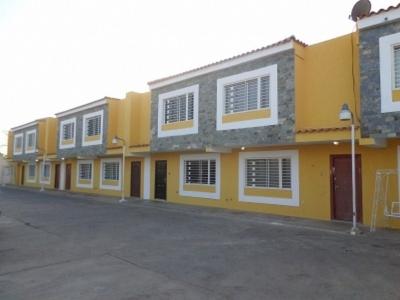 Townhouse en Venta en Ciudadela Faria
