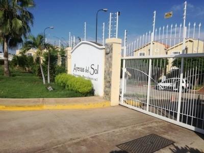 OESTE TOWNHOUSE EN CONJUNTO RESIDENCIAL VILLAS ARENAS DEL SOL CODCV300