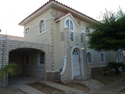 Townhouse en Venta Costa Rosmini I Sector Milagro Norte