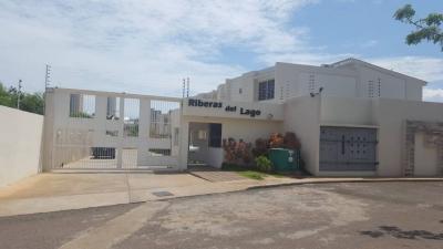 Town house Riveras Del Lago