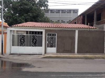Vende Casa en Los Claveles