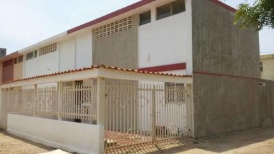 venta de casa en  Urb. La Trinidad 18-4868