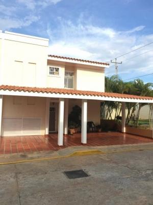 Casa en Residencias Costa Linda