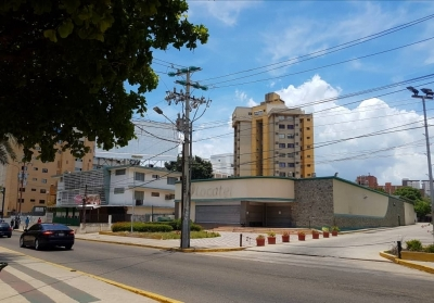 Local Comercial en Venta Av.4 BELLA VISTA