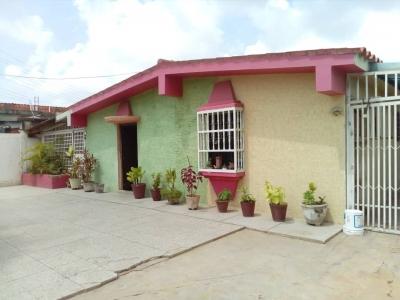 Amplia Casa en Los Pinos