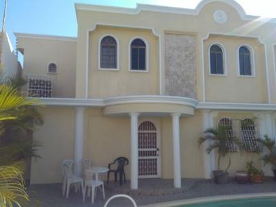 Casa en venta en la Urb. Sucre sector la limpia