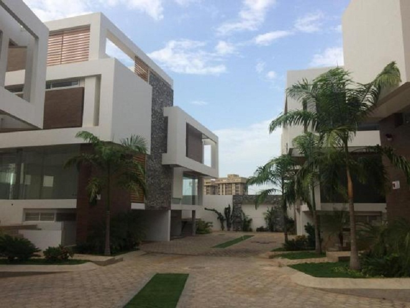 MD TE VENDE TOWN HOUSE EN ZONA EXCLUSIVA DE MARACAIBO MLS 19-7949