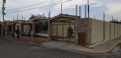 ESPECTACULAR CASA UBICADA EN URB. SANTA ISABEL, SECTOR AMPARO