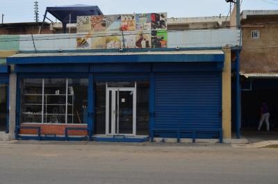 Local Comercial con Galpon en Zona Oeste