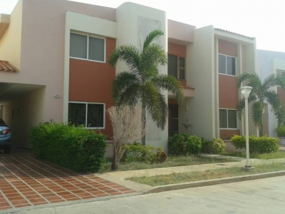 Casa en Venta Villa Ciudad 2000 Milagro Norte Maracaibo