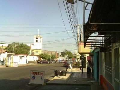 CASA CON LOCAL COMERCIAL EN VENTA, MLS #19-6061