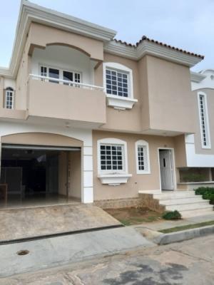 Alquilo Casa en Villa Palma Dorada
