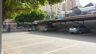 En Alq. Oficina  En Torre Empresarial General de Seguros Cecilio Acosta
