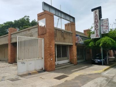 Local, Av Padilla