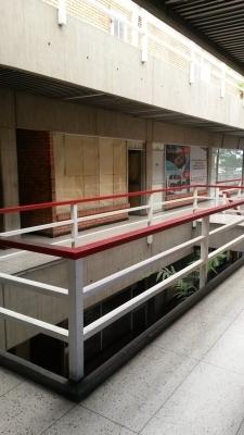 LOCAL COMERCIAL EN CENTRO COMERCIAL BELLA VISTA